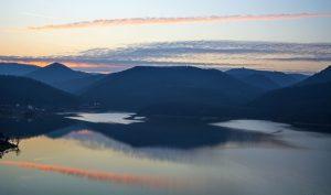 Satele de sub ape - lacul Cincis
