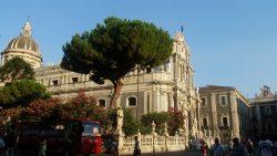 In orasul gri, Catania.